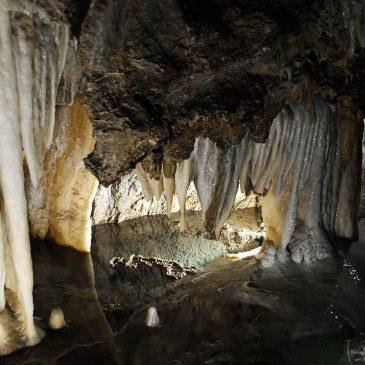 grotta-del-vento-colonne