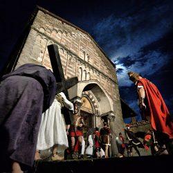 crocioni davanti a S. Michele