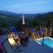 Capriola-piscina notturna